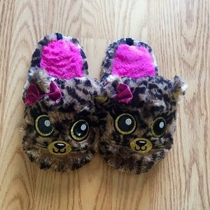 Other - Girls cheetah slippers